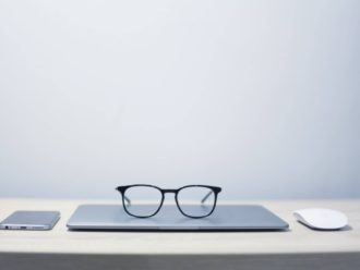 glasses on apple devices | arcadia brands